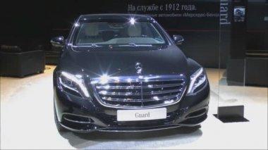 Armored sedan Mercedes-Benz S600 Cuard — Vídeo de Stock