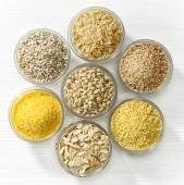 Various types of cereal grains — Stock Photo