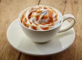 Cup of caramel cappuccino coffee — ストック写真
