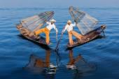 Burmese fishermen at Inle lake, Myanmar — Stok fotoğraf