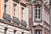 Medieval rich house palace windows close up — Foto Stock