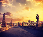 Charles bridge and Prague castle in the morning — Стоковое фото