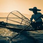 Burmese fisherman at Inle lake, Myanmar — Stock Photo #55594305