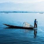 Burmese fisherman at Inle lake, Myanmar — Stock Photo #55597099