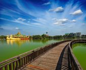 Kandawgyi Lake, Yangon, Burma Myanmar — Stock Photo