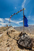 Buddhist prayer flags lungta in Spiti valley — Stock Photo