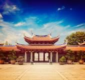 Gates of Lian Shan Shuang Lin Monastery — 图库照片