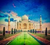 Taj Mahal on sunrise sunset, Agra, India — Stock Photo