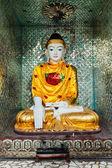 Buddha statue in Shwedagon pagoda — Stock Photo