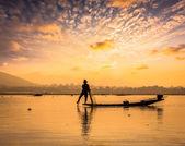 Traditional Burmese fisherman at Inle lake Myanmar — Stock Photo