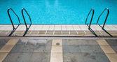 Escada para piscina — Fotografia Stock
