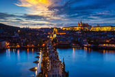 Night view of Prague, Charles Bridge, Vltava river — ストック写真