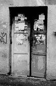 Puertas de grunge — Vector de stock
