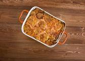 Elbow macaroni bake with zucchini — Stock Photo