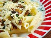 Mezze penne alla formaggella — Stock Photo