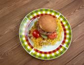 Chow mein sandwich — Stock Photo