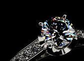 Lyxig ring med diamant — Stockfoto