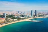 Аэрофотоснимок Барселоны из Средиземноморья — Стоковое фото