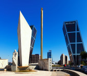 La Puerta de Europa in Madrid — Stock Photo