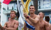 Appy guys at Gay pride parade in Sitges — Stock Photo