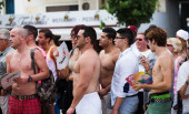 People looking Gay pride parade in Sitges — Stock Photo