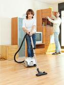 Friendly couple  doing housework — Foto Stock