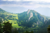 Mountain valley in Pyrenees from high point — Stock Photo