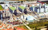 Luchtfoto van industrie elektriciteitscentrale vanuit helikopter — Stockfoto