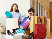 Guy and girl be delighted purchases — Foto Stock