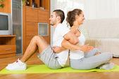 Healthy couple doing fitness — Stockfoto
