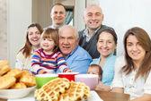 快乐三代家庭 — 图库照片