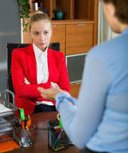 Female having difficult conversation — Stock Photo