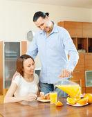 Couple having breakfast — Stock Photo