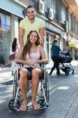 Vrouw in rolstoel — Stockfoto