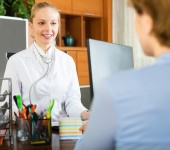 Woman  at of therapist — Stock Photo