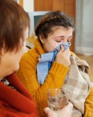 Sick daughter and mother — Stock Photo
