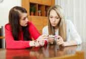 Women with pregnancy test — Stock Photo