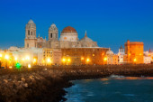 Cathedral of Cadiz in evening   — Stock Photo