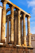 Closeup view of ancient roman temple — Stock Photo
