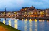 Ebro with bridge and Suda Castle — Stock Photo