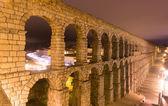 Night view of old roman aqueduct  — Stock Photo