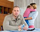 Family quarrel  over money — Stock Photo