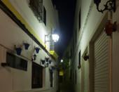 Narrow street  of  old Cordoba in night — Stock Photo