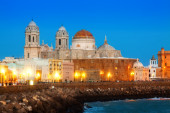 Cathedral and embankment in Cadiz — Stock Photo