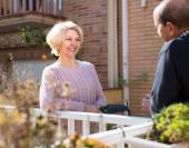 Mature couple talking on terrace — Stock Photo