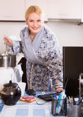 Woman working online at home — Stock Photo