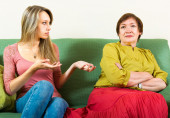 Daughter and mother arguing — Stock Photo
