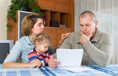 Upset parents discussing parental guardianship — Stock Photo