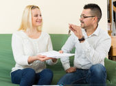 Couple with keys and documents  — Stock Photo
