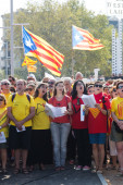 People singing at The National Day of Catalonia — Stock Photo